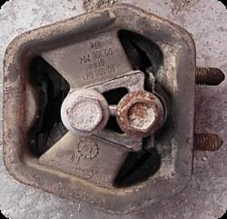 опора двигателя Опель фото