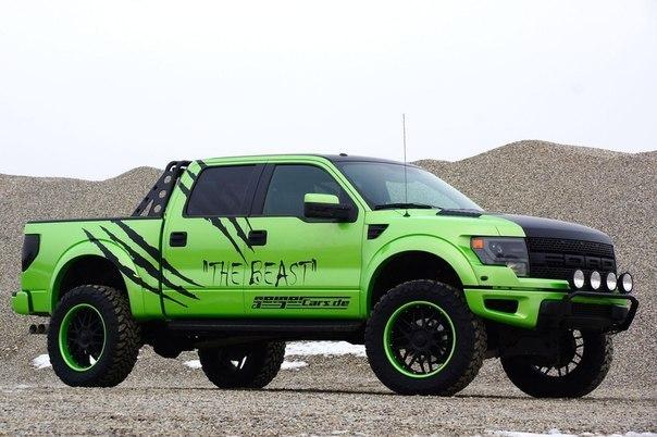 Ford-F-150-SVT-Raptor-1