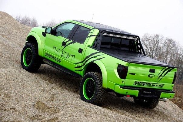 Ford-F-150-SVT-Raptor-2
