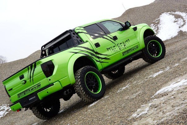 Ford-F-150-SVT-Raptor-4