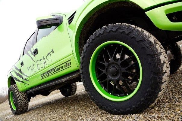 Ford F150 SVT Raptor фото
