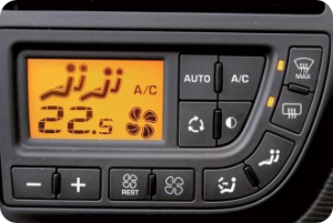 Заправка кондиционера в автомобиле фото